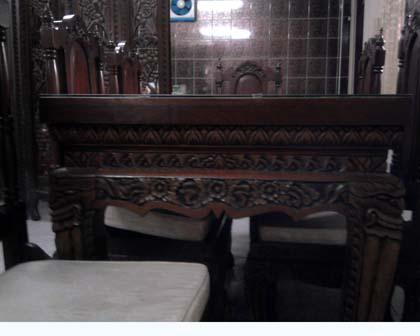 ขายด่วน โต๊ะทานอาหารไม้สักมีเก้าอี้ 6 ที่นั่ง สภาพใหม่ น่าใช้ราคาถูก